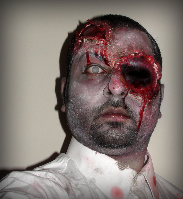 Zombie Makeup Tutorial using Liquid Latex and Toilet Paper